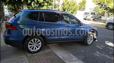Volkswagen Tiguan Trendline usado (2018) color Azul precio $339,500