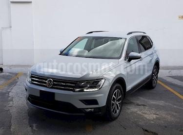 Volkswagen Tiguan Comfortline 5 Asientos Piel usado (2018) color Azul precio $415,000