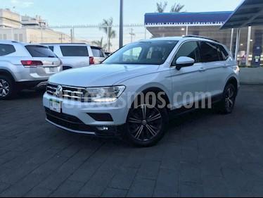 Volkswagen Tiguan 5p Confortline L4/1.4/T Aut Piel usado (2019) color Plata precio $349,901
