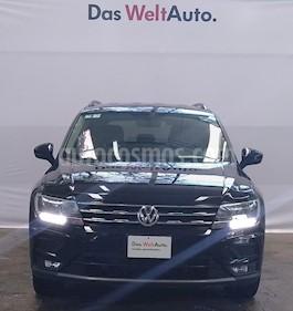 Volkswagen Tiguan Comfortline 5 Asientos Piel usado (2018) color Negro precio $395,000