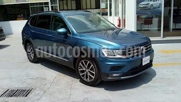 Volkswagen Tiguan Comfortline 5 Asientos Piel usado (2018) color Azul precio $352,000