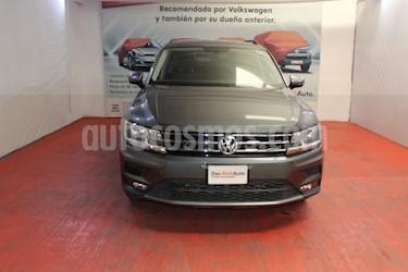 Volkswagen Tiguan Comfortline 7 Asientos Tela usado (2019) color Gris Platino precio $405,000