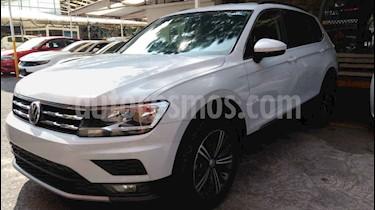 Volkswagen Tiguan Comfortline 5 Asientos Piel usado (2019) color Plata precio $374,900