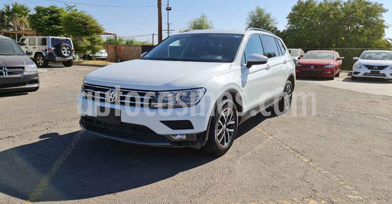 Volkswagen Tiguan Comfortline 5 Asientos Piel usado (2018) color Blanco precio $289,900