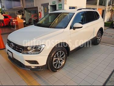 Volkswagen Tiguan Comfortline 5 Asientos Piel usado (2018) color Blanco precio $394,900