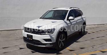 Volkswagen Tiguan 5p Confortline L4/1.4/T Aut Piel usado (2019) color Blanco precio $329,800