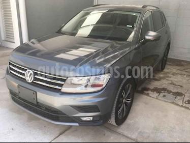 Volkswagen Tiguan 5p Confortline L4/1.4/T Aut Piel usado (2019) color Gris precio $398,000