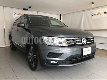 Volkswagen Tiguan 5p Confortline L4/1.4/T Aut 7 Pas usado (2019) color Gris precio $395,000