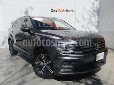Volkswagen Tiguan Comfortline 7 Asientos Tela usado (2019) color Gris Platino precio $389,000