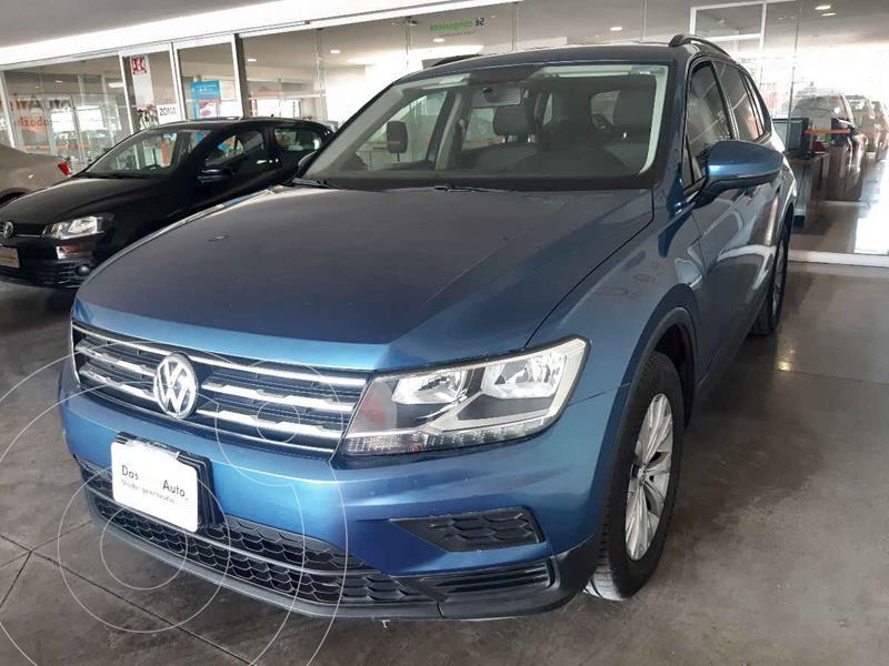 Foto Volkswagen Tiguan Trendline Plus usado (2018) color Azul precio $305,500