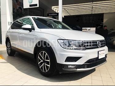 Volkswagen Tiguan 5 pts. Comfortline Piel usado (2018) color Blanco precio $398,000