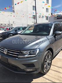 Volkswagen Tiguan Comfortline 7 Asientos Tela usado (2019) color Gris precio $440,000