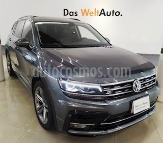 Foto venta Auto usado Volkswagen Tiguan R-Line (2018) color Gris Platino precio $485,000