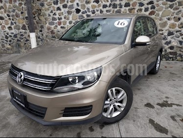 Foto venta Auto Seminuevo Volkswagen Tiguan Tiguan (2016) color Beige precio $260,000