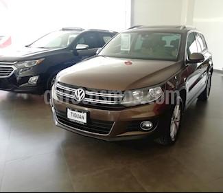 Foto venta Auto usado Volkswagen Tiguan Track & Fun (2015) color Marron precio $276,000