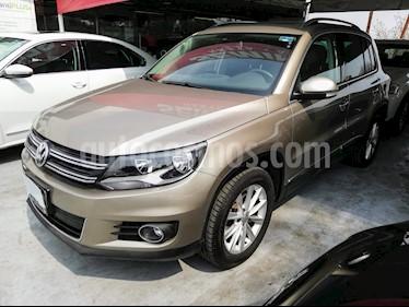 Foto venta Auto usado Volkswagen Tiguan Track & Fun (2016) color Beige precio $319,000