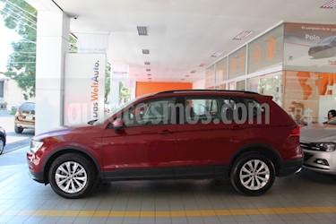 Foto Volkswagen Tiguan Trendline Plus usado (2018) color Rojo Rubi precio $335,000