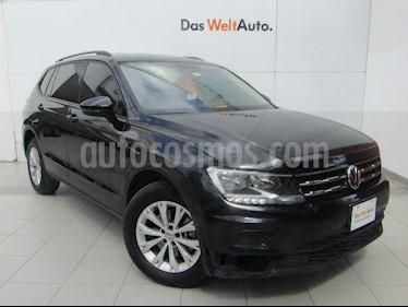 Foto venta Auto Seminuevo Volkswagen Tiguan Trendline Plus (2018) color Negro Profundo precio $390,000