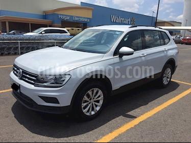 Foto Volkswagen Tiguan Trendline Plus usado (2018) color Blanco precio $335,000