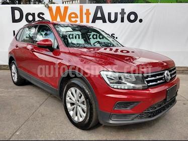 Foto venta Auto usado Volkswagen Tiguan Trendline Plus (2018) color Rojo Rubi precio $338,000