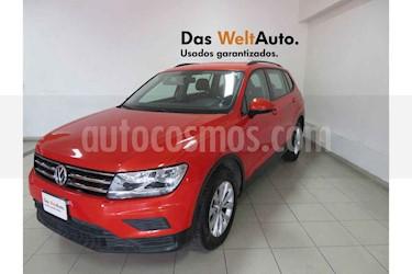 Foto Volkswagen Tiguan Trendline Plus usado (2018) color Naranja precio $329,461