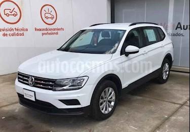 foto Volkswagen Tiguan Trendline usado (2018) color Blanco precio $376,990