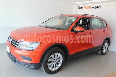 Foto Volkswagen Tiguan Trendline usado (2018) color Naranja precio $336,000