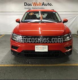 Foto venta Auto Seminuevo Volkswagen Tiguan Trendline (2018) color Naranja precio $399,000