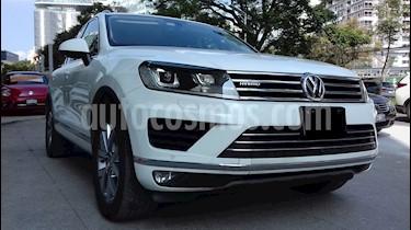 Foto venta Auto usado Volkswagen Touareg 3.0L V6 FSI Hybrid (2015) color Blanco precio $590,000