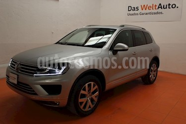 Foto venta Auto usado Volkswagen Touareg 3.0L V6 FSI Hybrid (2015) color Plata precio $540,000