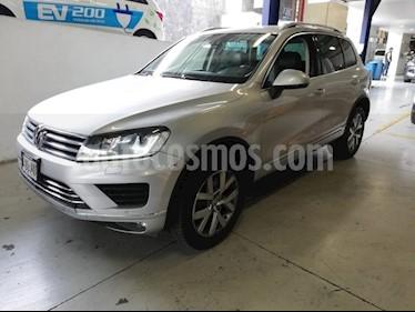 Foto venta Auto usado Volkswagen Touareg 3.0L V6 FSI Hybrid (2015) color Blanco precio $569,900