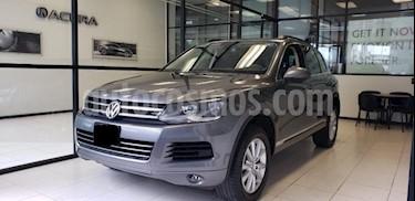 Volkswagen Touareg 5p V6/3.6 Aut Boton encendido Nave usado (2014) color Gris precio $379,000