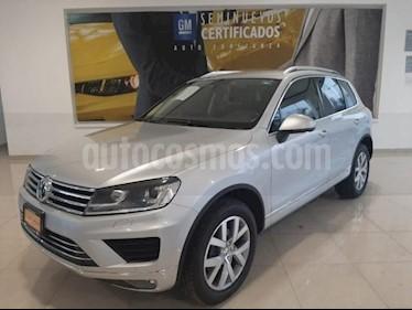 Volkswagen Touareg 5P V6 TD TIPTRONIC DVD GPS QCP F. LED RA-19 4X4 usado (2015) color Plata precio $480,900