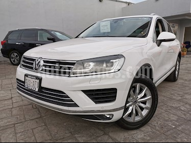 Volkswagen Touareg 3.2L V6 usado (2016) color Blanco precio $380,000