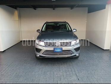 Volkswagen Touareg 3.0L TDI usado (2016) color Gris precio $493,000