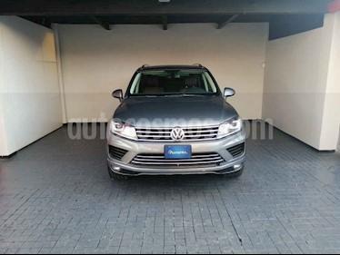 Volkswagen Touareg 5p V6/3.0/TDI Aut usado (2016) color Gris precio $493,000