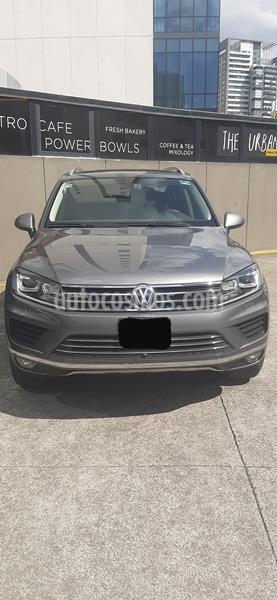 Volkswagen Touareg 3.0L V6 FSI Hybrid usado (2017) color Bronce precio $709,800