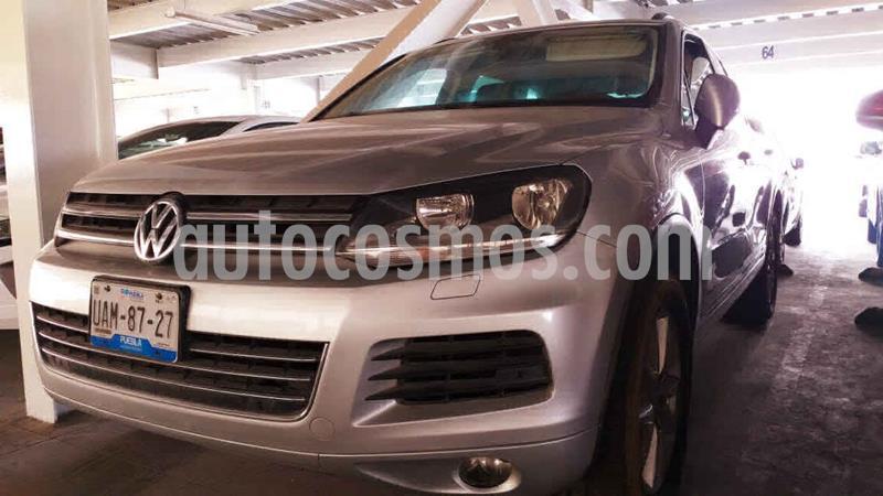 Volkswagen Touareg 3.2L V6 usado (2011) color Plata precio $215,000