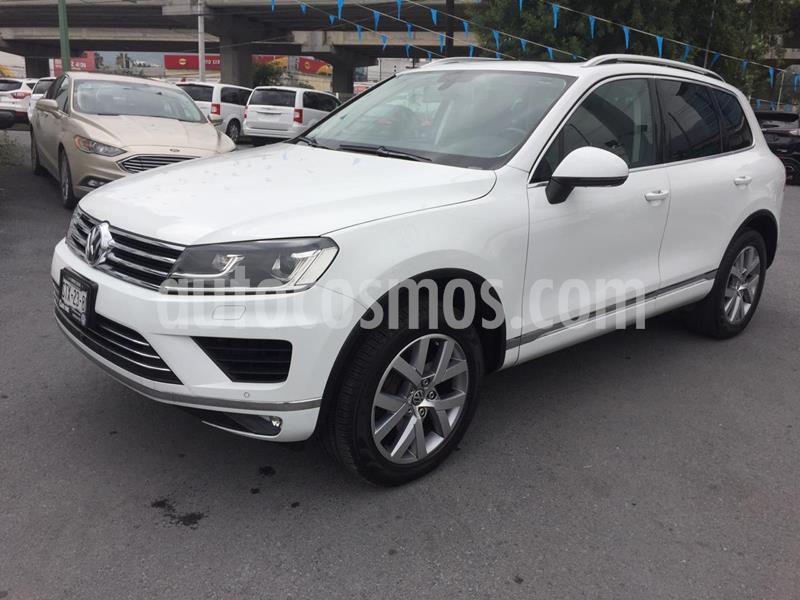 Foto Volkswagen Touareg 4.2L V8 FSI usado (2016) color Blanco precio $450,000