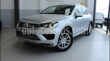 Volkswagen Touareg 5p V6/3.6 Aut usado (2016) color Plata precio $415,000