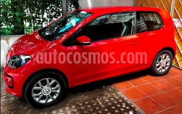 foto Volkswagen up! 3P 1.0 high up! usado (2015) color Rojo Flash precio $330.000