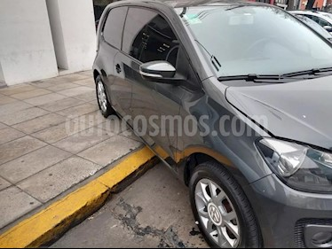 Foto Volkswagen up! 3P 1.0 high up! usado (2015) color Gris Cuarzo precio $475.000