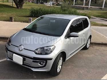 Volkswagen up! 3P 1.0 high up! usado (2015) color Plata precio $405.000