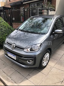 Volkswagen up! 5P 1.0 high up! usado (2019) color Gris precio $660.000