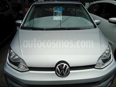 Volkswagen up! 5P take up! usado (2018) color Gris Claro precio $650.000