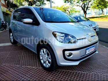 Foto Volkswagen up! 5P 1.0 hig up! usado (2014) color Plata precio $439.990