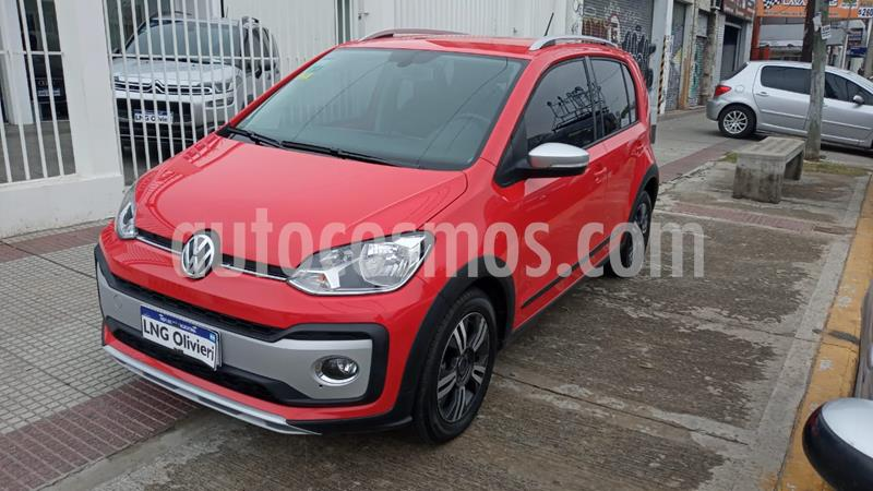 Volkswagen up! 5P 1.0 Cross up! 2016/17 usado (2020) color Rojo Flash precio $1.120.000
