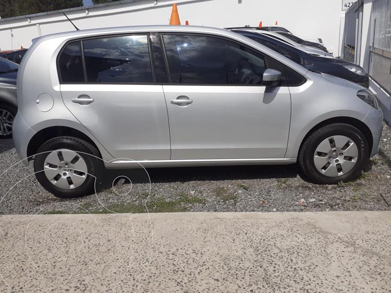 Foto Volkswagen up! 5P 1.0 move up! usado (2015) color Plata precio $1.150.000