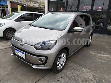 Volkswagen up! 5P 1.0 high up! usado (2016) color Bronce precio $640.000