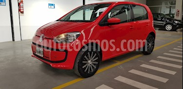 Volkswagen up! 5P 1.0 move up! usado (2014) color Rojo Flash precio $470.000